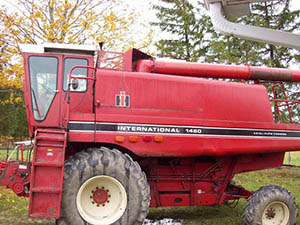 COMBINES FOR WRECKING: