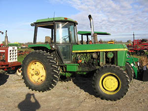 JD 4230 wrecking for parts